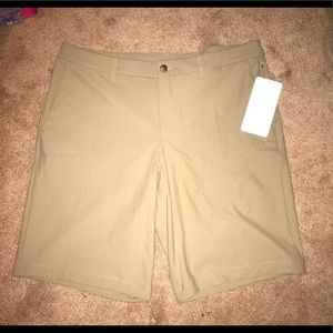 NWT Lululemon commission Short 11